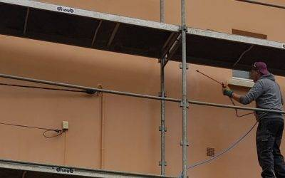 Traitement hydrofuge de façade sur une habitation